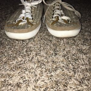 Used coach tennis shoes